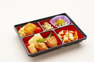 東都生協の産直肉や国産野菜をたくさん使用し、国産原料の使用率を高めた(おかずのみ)のコースです。