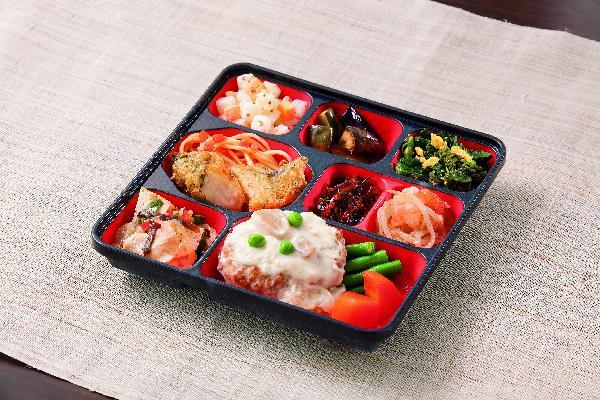 1食に野菜を約150g使用した品数豊富なおかずセットです。